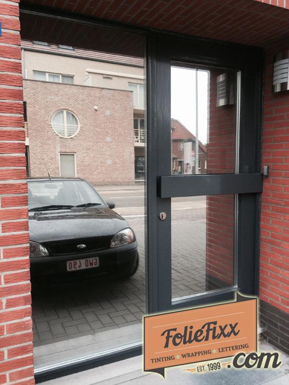 Glasfolie plaatsen deur